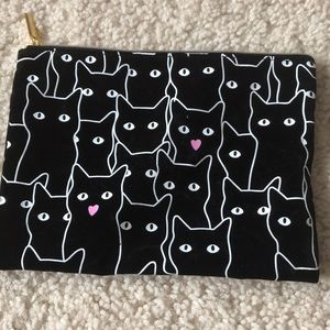 Black cat clutch